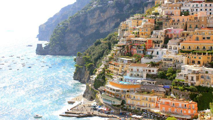 Het is weer tijd om vakantieplannen te maken, met de zomer voor de deur. Mocht je spontaan de auto naar Italië willen pakken, dan zijn dit zes fijne routes.