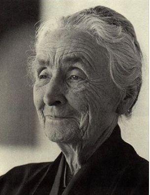 Georgia  O'Keeffe (1887-1986) was een Amerikaans kunstschilder. Zij ondervindt wereldwijd waardering vanwege haar vroege schilderkunstige verkenning van de grenzen van de moderne kunst in Amerika. O'Keeffe wordt gezien als een belangrijke figuur in de Amerikaanse kunst vanaf ongeveer 1920. Haar werk neemt een baanbrekende positie in binnen de Amerikaanse schilderkunst.