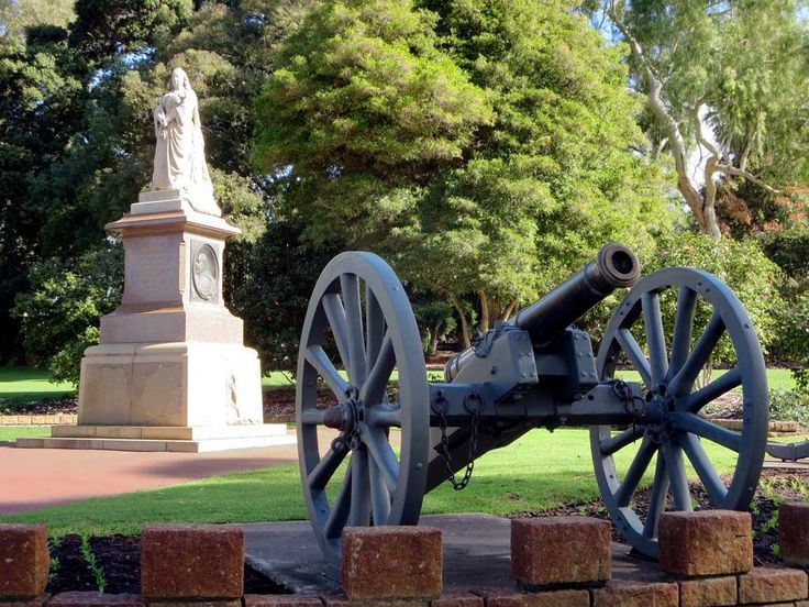 A marble statue of Queen Victoria (1903) stands in Kings Park, Perth, Western Australia.