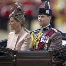 LONDEN - Prins Edward viert maandag zijn 50e verjaardag. De jongste zoon van koningin Elizabeth, die ook wel bekend staat als de graaf van Wessex, plant geen groots feest om Abraham te zien.