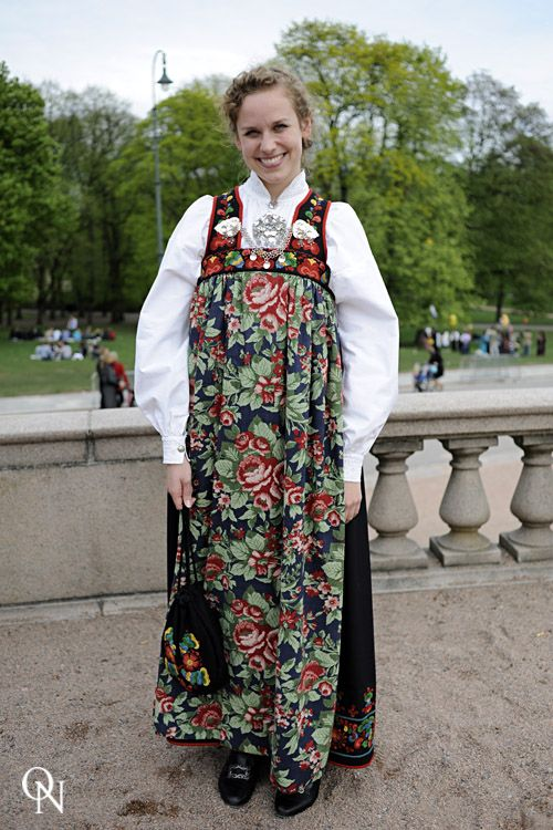 NORWEGIAN CONSTITUTIONAL DAY/ 17.05.10 – Oslo Nights. Very like Viking apron dress and brooches.