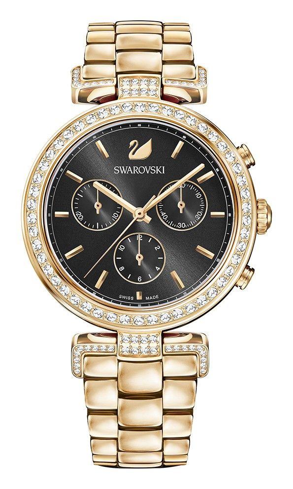 Swarovski Dameshorloge 'Era Journey' Rosegold 5295366. Modieus en speels vormgegeven horloge met transparante Swarovski kristallen, die rondom de rosékleurige kast en in de aanzet van de band zijn verwerkt. De kast met een doorsnede van 38 mm heeft een zwarte wijzerplaat met rosékleurige index en wijzers. Het horloge is voorzien van een rosékleurige schakel-horlogeband. #swarovski #staal #gold #kristallen #trendy #chique https://www.timefortrends.nl/horloges/swarovski.html