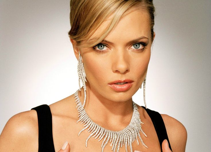 jaime-pressly-wallpapers-02