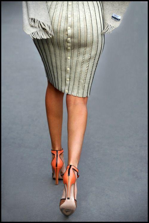 giovanna_battaglia_paris_Fashion_week_derriere1