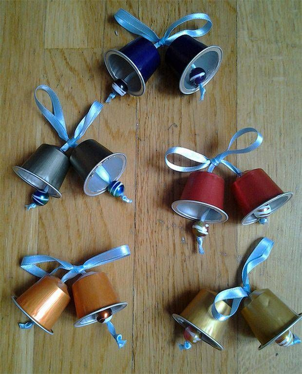 enfeites de natal - sinos com capsula nespresso