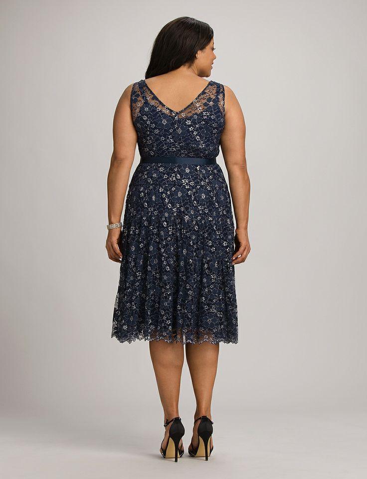 Plus Size Lace Dresses: Photos