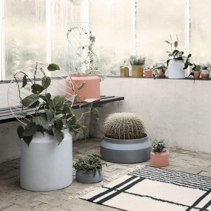 ferm living blumentopf gro blumen bertopf pinterest blumentopf gro zimmerpflanzen und. Black Bedroom Furniture Sets. Home Design Ideas