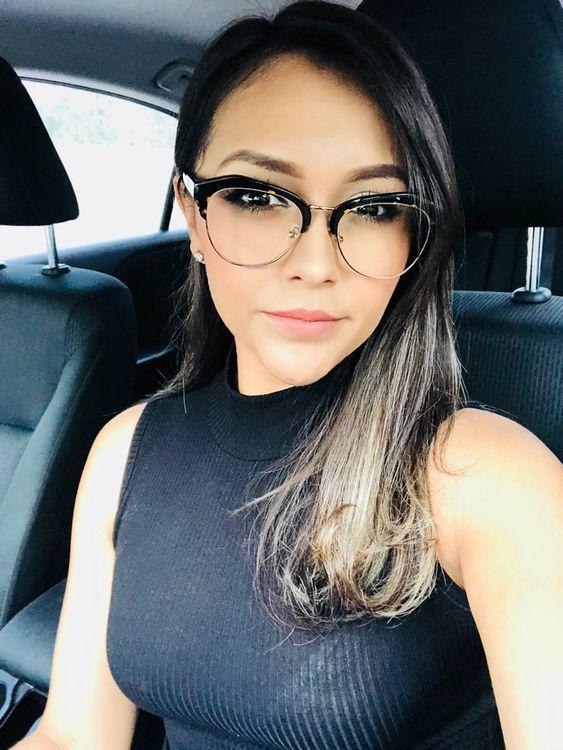 d556608f2 Óculos de grau feminino para mulheres de todos os estilos. Armações de  várias marcas,