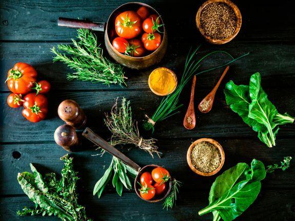 Alte Gemüsesorten feiern ihr Küchen-Comeback. EAT SMARTER verrät, was Pastinake und Schwarzwurzeln so besonders gesund macht.