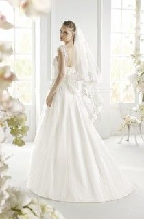 Ginny Dress Avenue Diagonal - Butterfly Code | Rochii de mireasa Butterfly Code | Wedding Dress Butterfly Code
