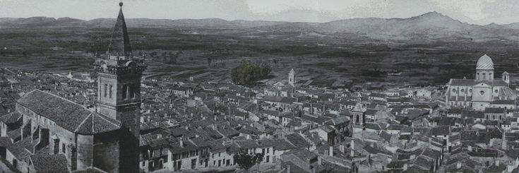 Yecla, industria vitivinícola y tradición gastronómica cuyas raíces nacen en los tiempos de los fenicios. - http://www.bodegaslapurisima.com/yecla-industria-vitivinicola-y-tradicion-gastronomica-cuyas-raices-nacen-en-los-tiempos-de-los-fenicios/ Las regiones españolas más famosas por sus vinos han sido tradicionalmente la Rioja y la Ribera del Duero. Sin embargo, España cuenta con multitud de zonas productoras con diferentes denominaciones de origen y repartidas por to