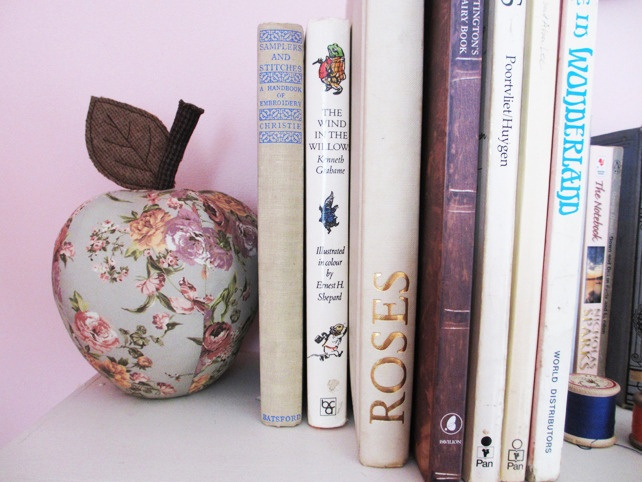 Floral Bookend looks great propping up your treasured books.