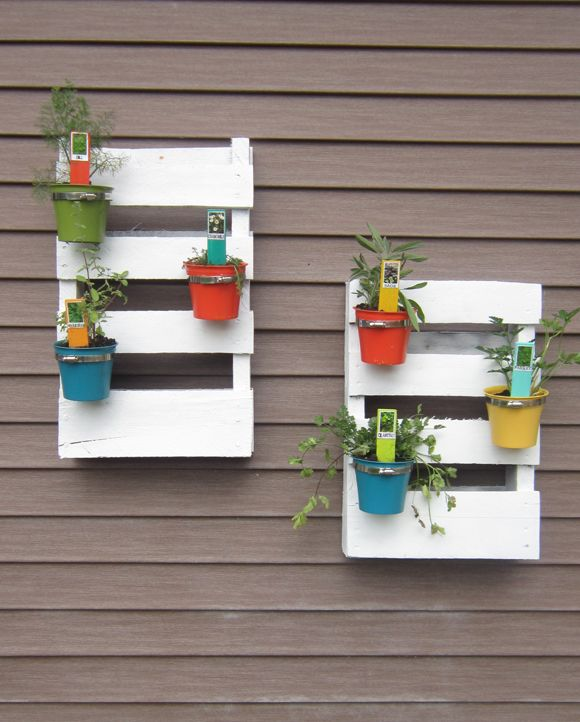 Second Chance to Dream: DIY Palette Herb Garden