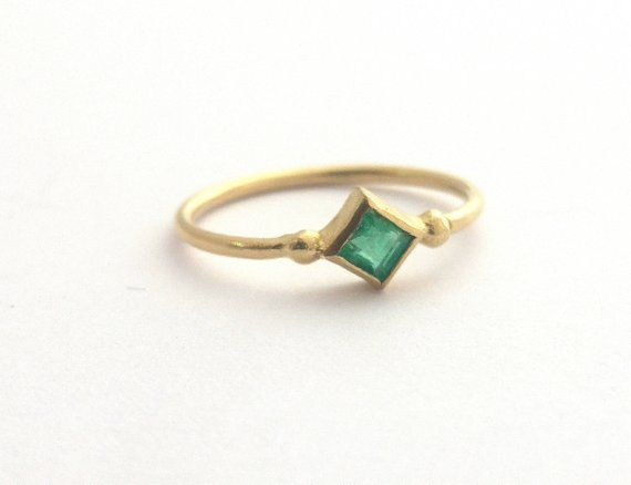 Engagement ring Green emerald ring Modern gold jewelry Emerald ring Solid gold ring Emerald engagement ring 14K Gold stacked ring