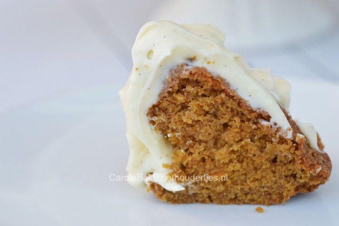 Nog nooit had ik pompoen cake geproefd, maar wat is het lekker! Het is een recept van Martha Stewart. Mijn lievelings- cakerecepten komen dan ook bij haar vandaan. Durf jij het aan deze herfst? Mijn thuistest-team was heel enthousiast.