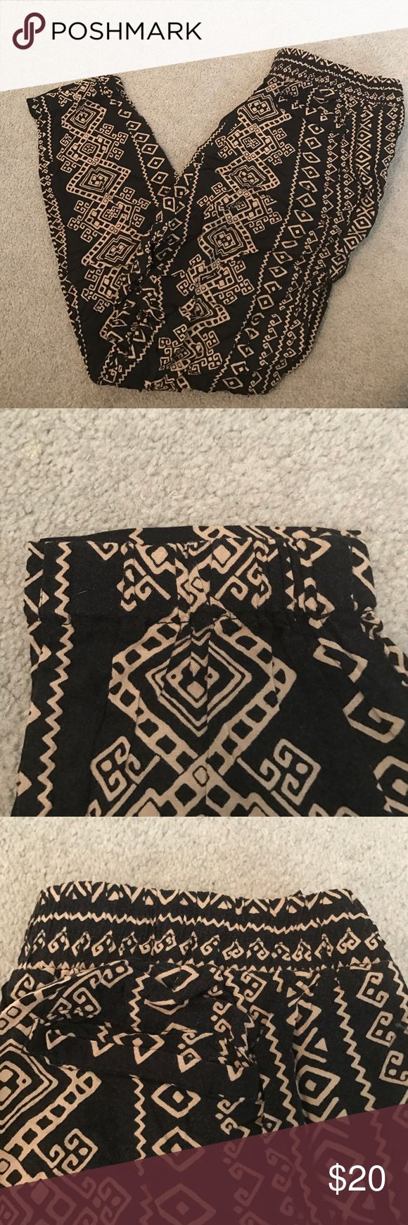 Tribal Print Pants Loose fit and tight at the ankles Forever 21 Pants