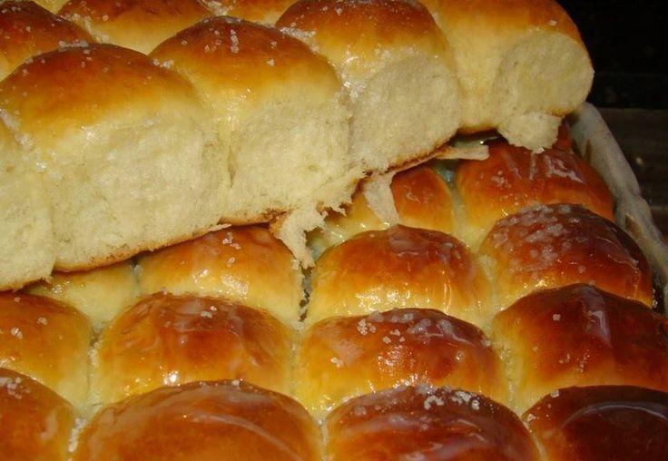 Rosca de leite condensado de colher, esse pãoé fácil de fazer, prático e fica macio e delicioso, experimente fazer para sua família e seus convidados.
