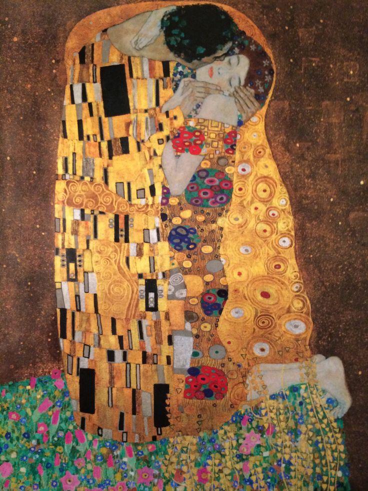 Oberes Belvedere (Vienna, Austria)  www.belvedere.at  Der Kuss (Gustav Klimt)