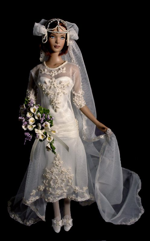 Beautiful bride doll  Has a vintage 1920s look