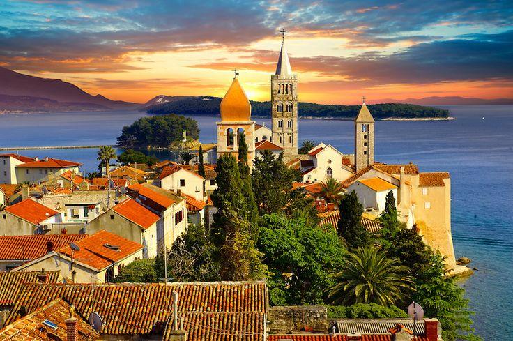 Wyspa Rab   http://crolove.pl/wyspy-krk-cres-i-rab-polnocne-perly-adriatyku/   #Chorwacja #Croatia #Hrvatska Rab