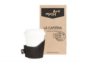 LA CAFEINA - BLACK Coffee lovers everywhere will love Art Hide's new Cafeína cowhide coffee cup holders. Designed for take away coffee, the Cafeína not only looks super stylish, but also keeps coffee warmer for longer and ensures you don't burn your hands! The Cafeína is available in a range of gorgeous Art Hide signature leathers and comes packaged in a rustic coffee bean style paper bag
