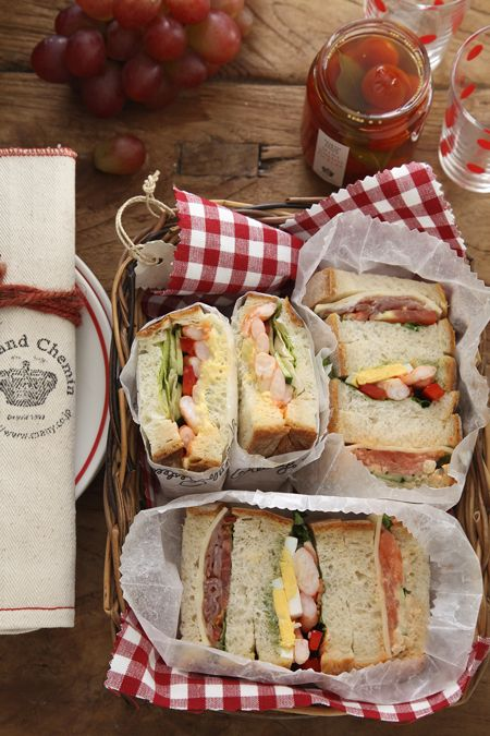 Ideas for a picnic with friends!! (:
