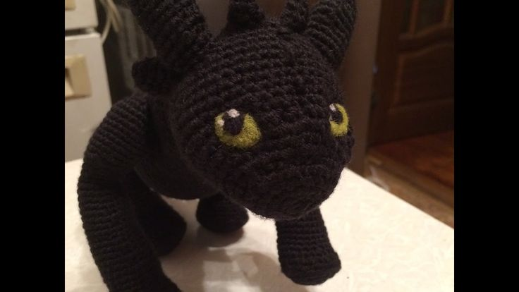 "Eyes of toy are its character and mood. Night fury, Teethless from ""How to train your dragon"" / Глаза игрушки - ее характер и настроение. #teethless #crochet #amigurumi #dragon"