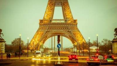 Tania podróż do Paryża