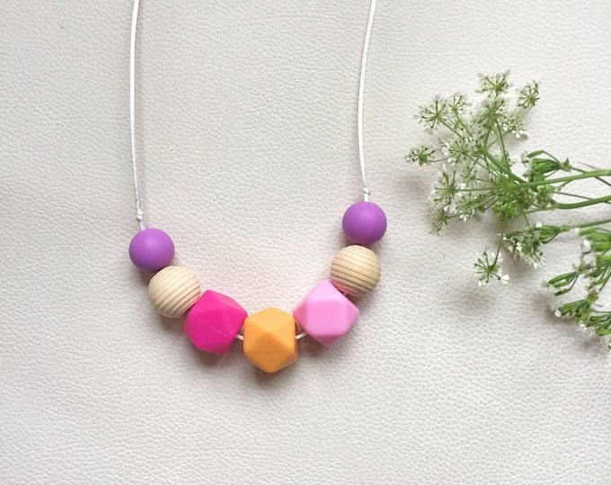 Silicone teething necklace, Nursing necklace, bpa free, non toxic materials, breastfeeding and nursing, baby shower idea, for mum and baby