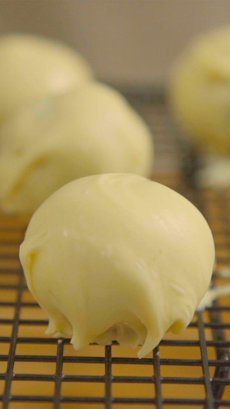 Trufas de leite ninho ficam deliciosas.