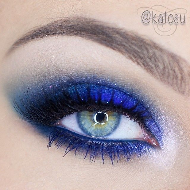 A few shades of blue - perfect for brown and hazel eyes! To create this look used: Aqua Shadow nr 6E by @makeupforeverofficial as a base, Contrast and Deep Truth by MAC, highlighter in Mynxii by #chaosmakeup in the inner corner and Electro Cute in Hellatonic by @sugarpillmakeup  - @Katarzyna Gajewska- #webstagram