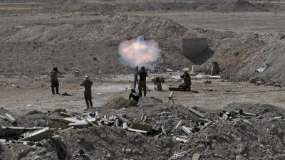 BAGHDAD/BEIRUT: Shia Muslim militiamen and Iraqi army forces launched a counter-offensive against Islamic State insurgents near Ramadi on Saturday, a militia spokesman said, aiming to reverse potentially devastating gains by the jihadi militants.The fall of Ramadi, the Anbar provincial capital, to