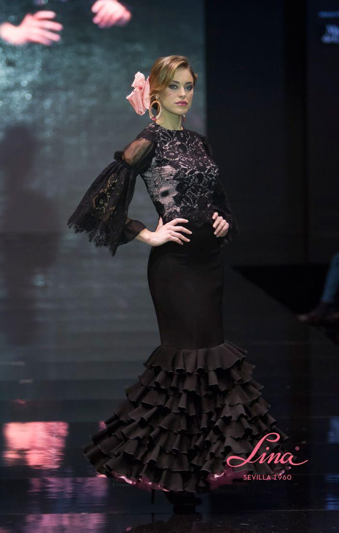 6b3f69066 corpiño y falda flamenca en tonos rosa cuarzo y negro. Falda en cre ...