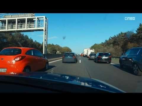 Autobahn-Polizei kontrolliert Rettungsgasse und ermahnt Autofahrer | POV...