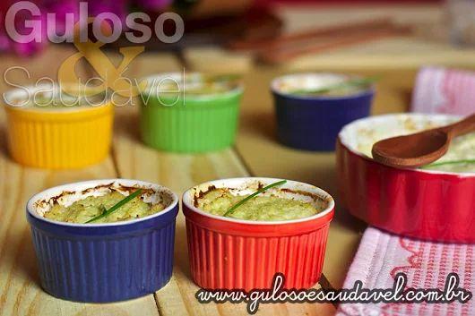 Quem é fã de legumes vai deliciar-se no #jantar com este super leve Suflê de Couve-flor com Iogurte!    #Receita aqui: http://www.gulosoesaudavel.com.br/2013/07/10/sufle-couve-flor-iogurte/