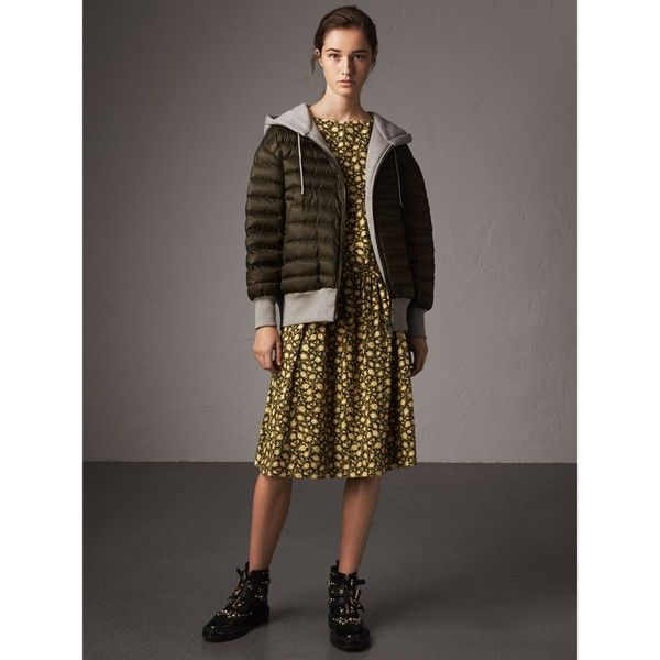 Burberry Reversible Down-filled Hooded Bomber Jacket ($975) ❤ liked on Polyvore featuring outerwear, jackets, bomber jacket, puff jacket, hooded bomber jacket, cotton jersey and puffy bomber jacket