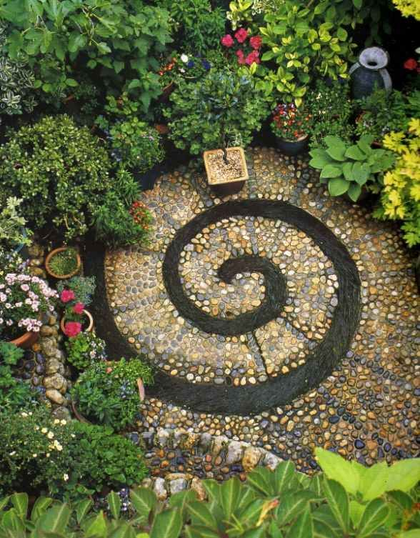 Nautilus courtyard at its finest.: Modern Gardens, Gardens Ideas, Brick Road, Mosaics, Gardens Design Ideas, Gardens Paths, Spirals Gardens, Stones Walkways, Spiralgarden