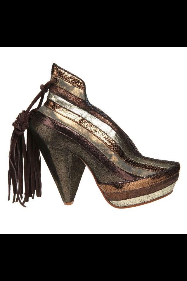 IRREGULAR CHOICE HALF EATEN APPLE in Gold Bronze Womens Shoes Size 8