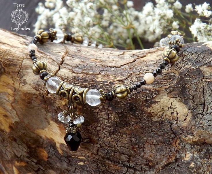 Bracelet baroque, spinelle noire facettée, pierre de lune, cristal de roche, goutte de verre. ᘛ L'arche des immortels : Bracelet par terre-des-legendes