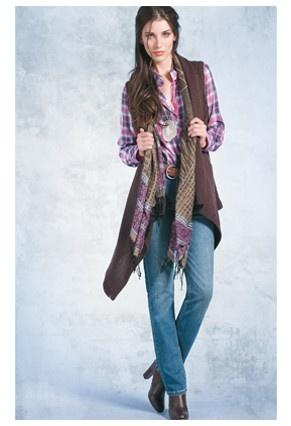 Tapado Unanyme $ 7.990 Blusa Escocesa $ 9.990 Jeans Unanyme $ 9.990