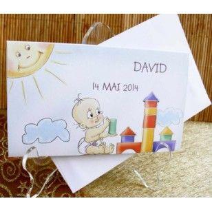 Invitatie de botez din carton normal avand in prim plan numele copilului si data petrecerii. Aceasta se pliaza in trei avand continuitate textul de invitatie.
