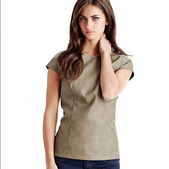 💥Last Chance💥 Kensie Vegan Leather Top Color: Camel. Only worn once. Zipper detailing on back of top. Kensie Tops