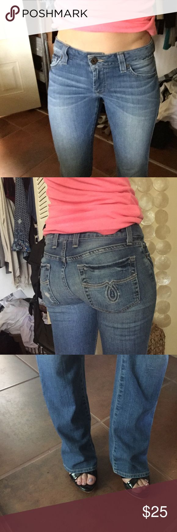 Lucky jeans Worn a few time like brand new! Lucky Brand Jeans Boot Cut