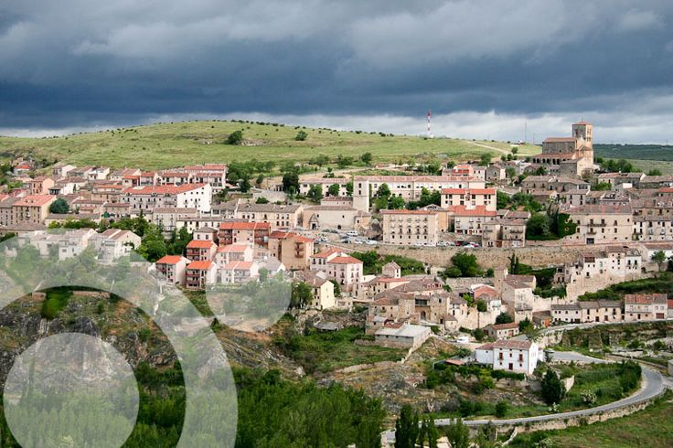 Medieval village of Sepulveda. Find all the information to plan your trip to #Hoces_del_Duraton in www.qnatur.com