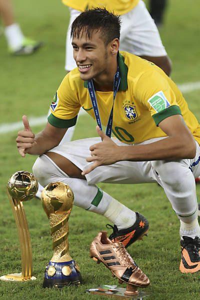 Neymar dice que cree que el lanzamiento de corte de pelo especial en la Copa - 05/12/2014 - Copa Leaf - Deporte - FSP