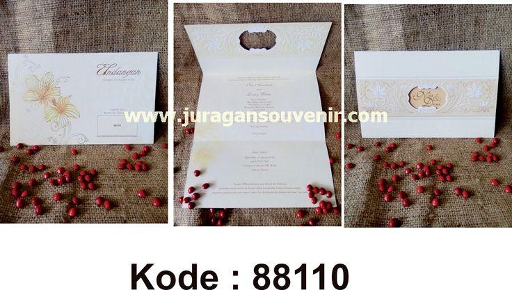 BBM: 2B113F94  LINE: juragansouvenir2  IG: juragan.souvenir2