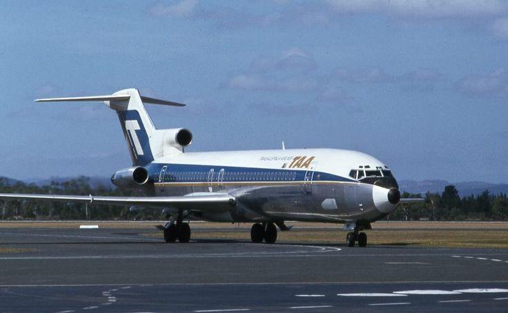 TAA Boeing 727-276 (VH-TBM) arriving in Hobart