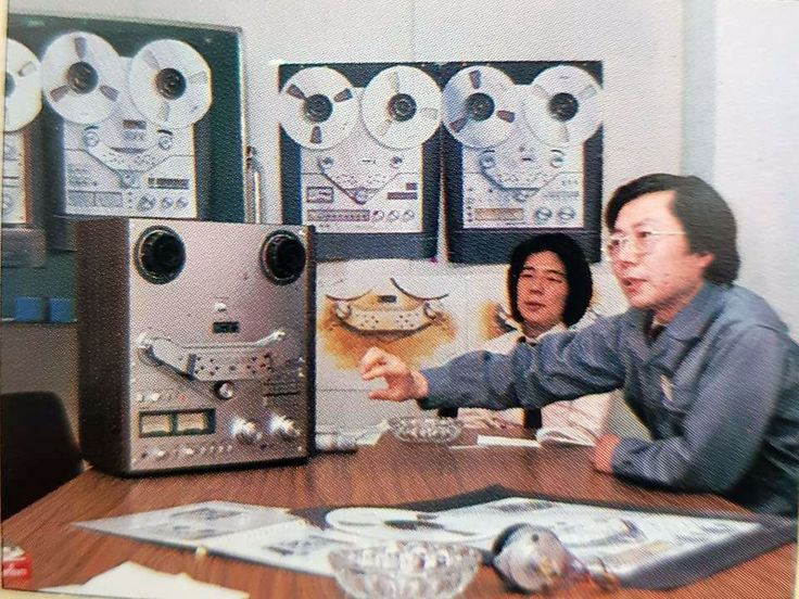 """""""Maybe some LED VU would be nice on the next AKAI"""" www.1001hifi.com"""
