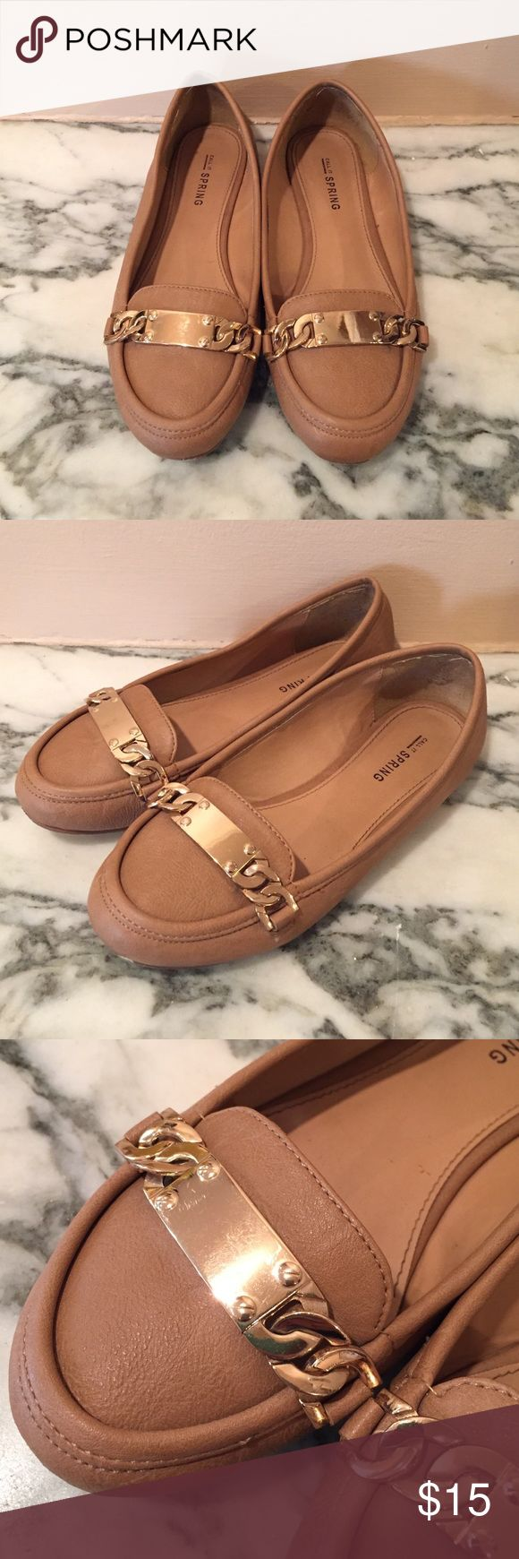 Tan loafer flats with gold chain detailing Barely worn tan flats from Call It Spring with a gold chain detail on the front. Has a bit of a loafer shape but with a much lower vamp. Call It Spring Shoes Flats & Loafers