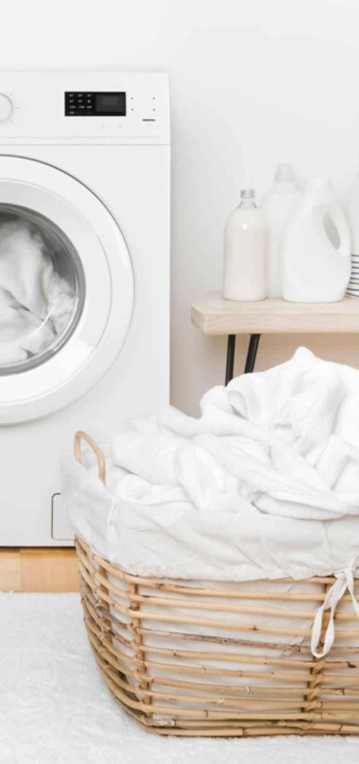 How to Sanitize Laundry and Clothes with or without bleach